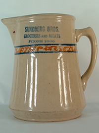 Click photo to see larger pic of Red Wing Stoneware