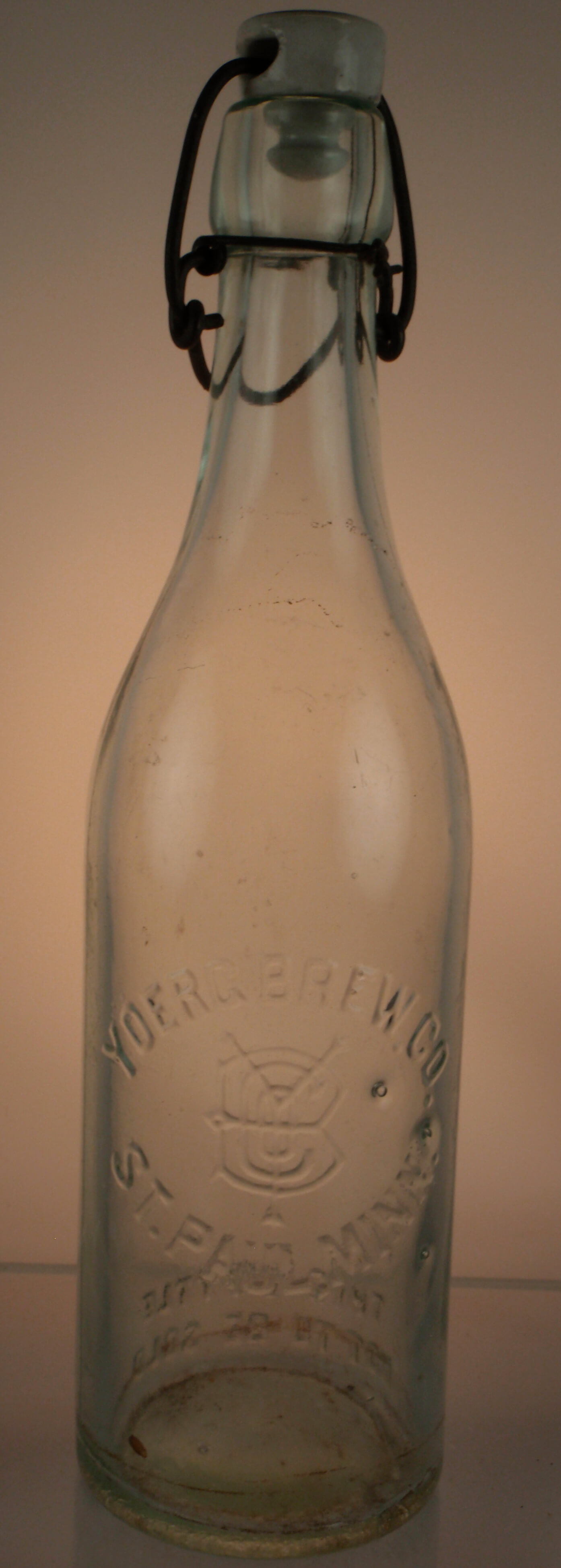 Pre-Prohibition macine-made Yoerg Brewing Company Blob Top Beer With Hutter Stopper